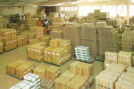 同年代の倉庫の様子
